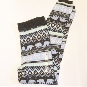 SO High Rise Sweater Leggings - size M